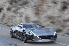 Avec sa puissance de 1 088 ch et sa vitesse maximale de 355 km/h, la supercar de Rimac devient la voiture électrique la plus puissante et la plus rapide au monde