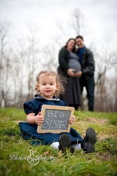 Big sister baby number 2 photo pix creative Marrs Marrs Marrs Pace-England we could do this too! Family Maternity Photos, Maternity Poses, Maternity Portraits, Maternity Pictures, Pregnancy Photos, Maternity Photography, Sibling Poses, Family Posing, Family Portraits