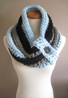 Cowl Chunky Bulky Button Crochet Cowl: Baby Blue, Black and Heather Gray with Black Button
