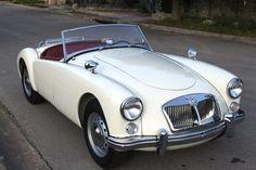 cars british jaguar e type Tesla Roadster, Mercedes Benz 300, Bmw Classic Cars, Classic Cars Online, Ford Thunderbird, Lamborghini Huracan, Fancy Cars, Cool Cars, Rolls Royce