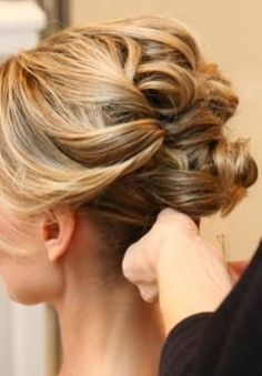 a chic French twist updo with a side bang and a volume on top looks a bit messy and very chic - Weddingomania Wedding Updo, Wedding Hair And Makeup, Hair Makeup, Bridal Updo, Gold Wedding, Wedding Jewelry, French Wedding, Bride Makeup, Wedding Gowns