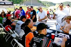 On Saturday, following Q4, we welcomed over two dozen drivers to Nitro Alley for Fan Fest! Lots of smiling faces on #FathersDay weekend! #NHRA #FeeltheThunder