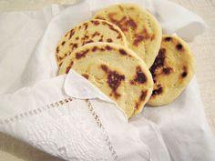 LuqueComemosEnCasa: Arepas de Harina de Trigo de Mayela Good Food, Food And Drink, Veggies, Vegetarian, Favorite Recipes, Vegan, Cooking, Breakfast, Ethnic Recipes