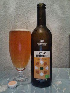 Cerveja Nørrebro Çeske Böhmer, estilo Bohemian Pilsener, produzida por Nørrebro Bryghus, Dinamarca. 5.2% ABV de álcool.