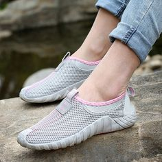 Unisex Sport Shoes Casual Meh Outdoor Flat Breathable Slip On Athletic Shoes - US$27.95