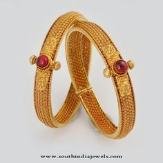 Jewelry OFF! 22 Carat Gold Bangle Designs 22 Carat Gold Antique Bangles 22 Carat Bangles from Waman Hari Pethe Sons. Bracelets Design, Gold Bangles Design, Gold Jewellery Design, Gold Jewelry, India Jewelry, Custom Jewelry, Jewlery, The Bangles, Gold Gold