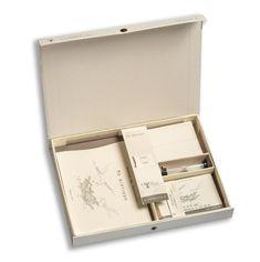 """Παίγνιο Πνεύματος """"Το Δίστιγμο"""" των Συναισθημάτων & των Αξιών !  Ανθρώπων έργα, αντίδωρα ευγνωμοσύνης και αγάπης.. Σε κουτί δώρου, ένα βιβλίο και ένα παιχνίδι, το «Δίστιγμο», της ψυχολόγου Φωτεινής Τσουκνίδα – Ανθουλάκη, με εικονογράφηση του Κωνσταντίνου Τσουκνίδα. Για ένα πασχαλινό ταξίδι σε αναστάσιμες αξίες όπως η αγάπη, η αυθεντικότητα, η κατανόηση, η συμφιλίωση, κ.α. Turntable, Decorative Boxes, Books, Home Decor, Record Player, Libros, Decoration Home, Room Decor, Book"""