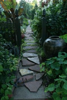 --Click through to read more about this garden!