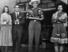 """June Carter, Tony Bennett, Ernest Tubb and Patsy Cline perform """"I Saw The Light"""" during a 1956 """"Purina Grand Ole Opry"""" TV Show."""