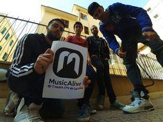 La The Bulls Crew nasce a Roma nel febbraio 2015, dall'idea di Baudelaire a.k.a Bulldog (rapper) insieme al producer Mixer One con la collaborazione di Leonardo (tastierista), i quali iniziano a registrare i primi brani in semplici home studio.