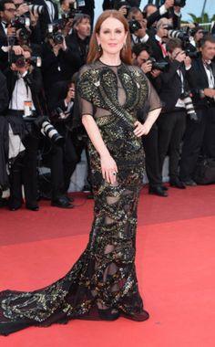 Julianne Moore et ses serpents #cannes #festivaldecannes #cannes2016 #star #people #fashion #redcarpet #juliannemoore