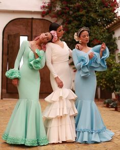 Image may contain: 2 people, people standing, wedding and outdoor Flamenco Party, Lilly Pulitzer, Spanish Fashion, Bridesmaid Dresses, Wedding Dresses, Floral Blouse, Dress Skirt, Ball Gowns, Fashion Show