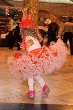 Детский новогодний костюм белки (юбка американка, вязаная шапочка и перчатки)