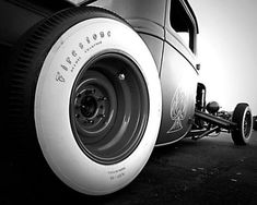 Hot Rod with fat white-walls | #hotrod #vintage #photography <<< repinned by www.BlickeDeeler.de
