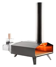 Uuni 3 is the world's first portable pellet pizza oven. Heating up to in just 10 minutes, Uuni 3 cooks delicious pizzas in an incredible 60 seconds. Our multi-award-winning pizza ovens are the ultimate outdoor cooking tool: easy-to-use, sociable and fun.