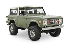 Our Ford Bronco Coyote restorations are quickly becoming the Icon of vintage Bronco restoration. Old school cool with new school mechanics and reliability. Old Ford Bronco, Ford Bronco For Sale, Early Bronco, Bronco Car, Classic Bronco, Classic Ford Broncos, Classic Trucks, Old Pickup Trucks, Ford Trucks