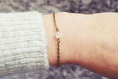 Bronze Chain Bracelet | Clear Quartz Bracelet | Single Stone Bracelet | Gemstone Bracelet | Natural Healing Stone Bracelet Jade Bracelet, Stone Bracelet, Clear Quartz, Quartz Crystal, Simple Bracelets, Healing Stones, Natural Healing, Bronze, Gemstones