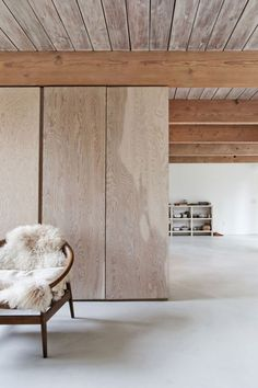 North-Vancouver-House by SCOTT & SCOTT ARCHITECTS, Vancouver. Decorate with natural colour. beautiful minimal space. #minimalhome #scandiliving