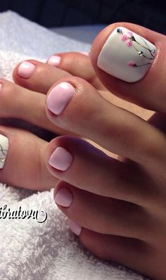 Awesome Trendy Nails 35 Summer Toe Nail Design Ideas For Exceptional Look 2020 # Pedicure Designs, Manicure E Pedicure, Toe Nail Designs, Pedicures, French Pedicure, Nails Design, Pretty Toe Nails, Cute Toe Nails, Gel Nails
