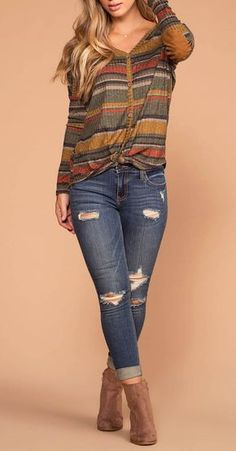 Spice Olive Stripe Button Tie-Front Knit Top Fall Spice Olive Striped Button Up Knit TopFall Spice Olive Striped Button Up Knit Top Fall Winter Outfits, Autumn Winter Fashion, Spring Outfits, Look Fashion, Fashion Outfits, Womens Fashion, Looks Camisa Jeans, Casual Outfits, Cute Outfits