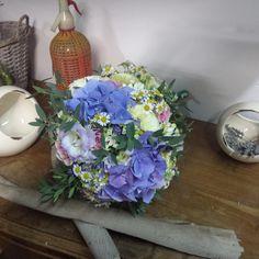 TUNDRA - Jo. Bouquets. ramo de novia. wedding. Hydrangea. Hortensia.