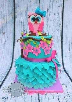 Girlie owl cake