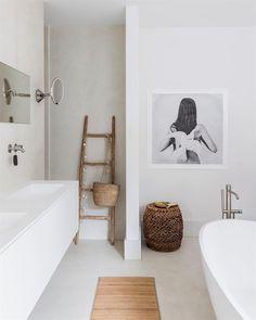 Minimalist Home Interior .Minimalist Home Interior Bad Inspiration, Interior Design Inspiration, Bathroom Inspiration, Decor Interior Design, Design Ideas, Design Styles, Minimal Bathroom, Modern Bathroom, Small Bathroom