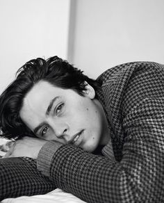 Cole Sprouse photographed by Danielle Levitt for Boys By Girls Dylan Sprouse, Sprouse Bros, Sprouse Cole, Cole Sprouse Aesthetic, Cole Spouse, Cole Sprouse Jughead, Dylan And Cole, Riverdale Cole Sprouse, Betty Cooper