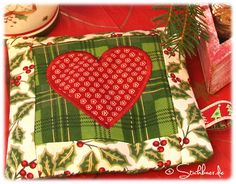 For embroidery machines. Mug rug. Free design for in the hoop.