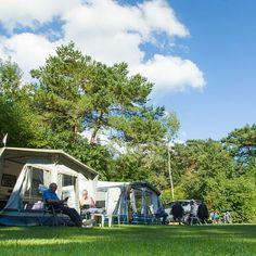 Lekker even weg met Pasen? Camping de Vossenberg op de mooie #veluwe nu ook te boeken op #campingfinder #camping #kamperen #pasen