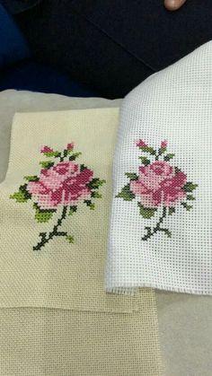 Fair Isle Knitting Patterns, Bead Loom Patterns, Cross Stitch Designs, Cross Stitch Patterns, Cross Stitch Embroidery, Hand Embroidery, Cross Stitch House, Crochet Cross, Cross Stitch Flowers