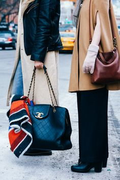 Street looks à la Fashion Week automne-hiver 2015-2016 de New York http://www.vogue.fr/mode/street-looks/diaporama/street-looks-la-fashion-week-automne-hiver-2015-2016-de-new-york/19083/carrousel#street-looks-la-fashion-week-automne-hiver-2015-2016-de-new-york-11