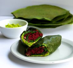 Dehydrated grain-free wraps with avocado and spinach
