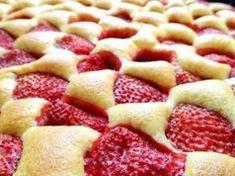 Nejlepší jahodový piškotový koláč Cauliflower Breadsticks, Cheesy Cauliflower, Waffel Vegan, Brownie Cookies, Fruit Salad, Apple Pie, Meal Planning, Waffles, Food And Drink
