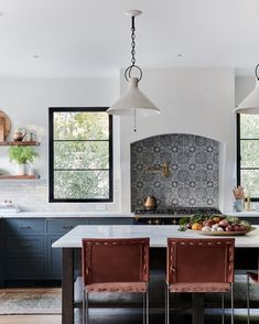 These Mexican Tile Backsplash Ideas Are the Antidote to Snooze-Worthy Kitchens - If you want to do something bold and unique in your culinary headquarters, we highly recommend that - Mexican Tile Kitchen, Spanish Kitchen, Mexican Kitchens, Mexican Tiles, Moroccan Kitchen Tiles, Open Plan Kitchen Dining, Kitchen Dining Living, Cozy Kitchen, Kitchen Ideas