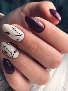 Discover new and inspirational nail art for your short nail designs. Short Nail Designs, Fall Nail Designs, Fun Nails, Pretty Nails, American Nails, Gel Nails At Home, Short Nails Art, Beach Nails, Halloween Nail Art