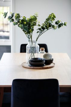 Adding greenery is a fresh and stunning way to bring the outside in. This eucalyptus looks amazing against the grey interior. Gray Interior, Home Interior Design, New Shows, Greenery, Trends, Fresh, Amazing, House, Inspiration