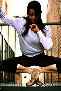 Lauren. The Ballet Dancer. Photo by Kari Solmaz Photography.