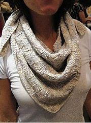 Free pattern Ravelry: Expanding Basketweave Kerchief pattern by Amy Micallef