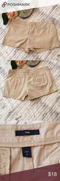Soft GAP Solid Canvas Khaki Shorts Size 6 GAP Solid Canvas Shorts in great condition!  Size: 6 Color: Motorcross Khaki Zipper with hook closure and inside button 100% Cotton GAP Shorts