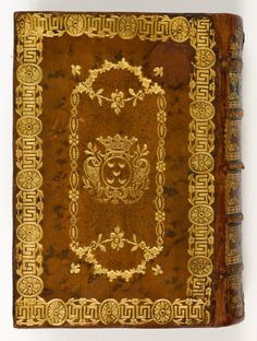 This brown mottled calf binding carries the emblem of the De Pinto family of Amsterdam tooled in gold. #gild #manuscript #binding #cover #books #leathercraft