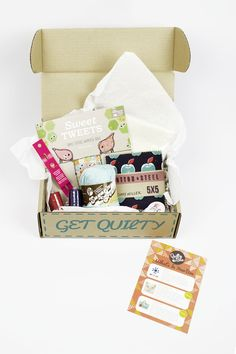 CrateJoy unboxes the August 2015 Quilty Box!