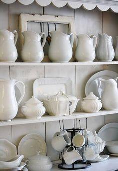 Cabane - vaisselle blanche
