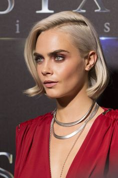 """Cara Delevingne – """"The State of the Industry"""" Presentation at CinemaCon in Las Vegas Wedding Hairstyles, Cool Hairstyles, Cabello Hair, Belleza Natural, Platinum Blonde, Mannequins, Belle Photo, Hair Inspo, Look Fashion"""