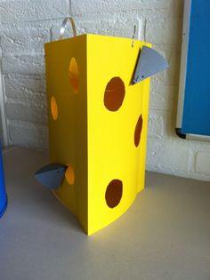 De lampion die ik ga maken met de kinderen. Vandaag heeft mijn man even het voorbeeld gemaakt. Paper Lanterns, Holland, November, Restaurant, Bird, Halloween, Outdoor Decor, Projects, Crafts