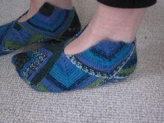 Ravelry: ByAnn's Domino Slippers. Drops Design