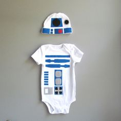R2-D2 baby outfit. Need
