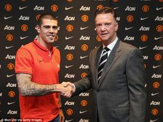 Victor Valdes worked under Manchester United manager Louis van Gaal during his time at Barcelona