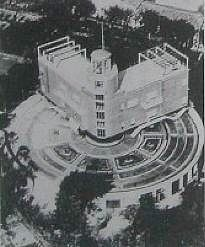 1935: Villa Girasole: Rotating House Follows the Sun - The Villa Girasole (il girasole meaning 'the sunflower' in Italian) is a house constructed in the 1930s in Marcellise, northern Italy, near Verona. The conception of architect Angelo Invernizzi, Il Girasole rotates to follow the sun as it moves, just as a sunflower opens up and turns to follow the sun.