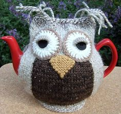 Hand knitted LARGE tea cosy.... Horse Chestnut chunky Owl in mohair/wool mix.
